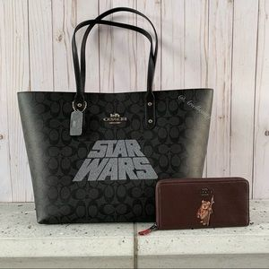 2PCS STAR WARS COACH TOTE & EWOK WALLET